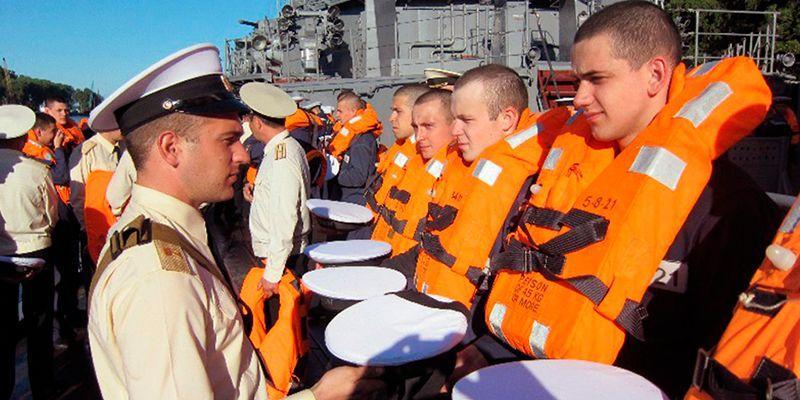 Утренний осмотр в армии - как проходит и что проверяют